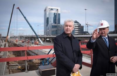 Мэр Москвы Сергей Собянин осмотрел строительство Смоленской эстакады