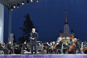 Мэр Москвы Сергей Собянин на запуске фонтанов на ВДНХ