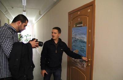 Депутаты Москворечья-Сабурова пришли на праздник родной школы