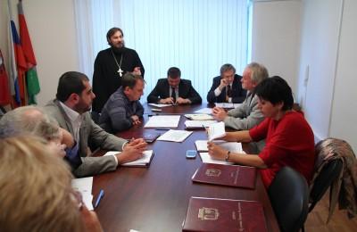 Вопрос строительства нового храма в Москворечье-Сабурове обсудили депутаты на прошедшем заседании
