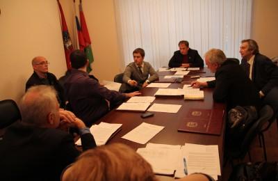Депутатам рассказали об итогах работы центра социального обслуживания в районе Москворечье-Сабурово в 2015 году