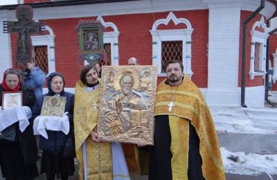 В районе Москворечье-Сабурово действует храм постройки XVI века