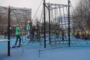 """Веревочная площадка в парке """"Садовники"""""""