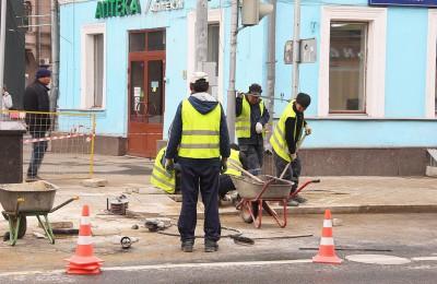 Почти 2,3 миллиона квадратных метров дорог отремонтировали в столице с начала года