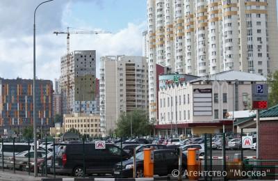 Каждый год свои машины на перехватывающих парковках оставляют более миллиона москвичей