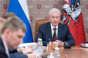 Мэр Москвы продлил действие парковочных разрешений