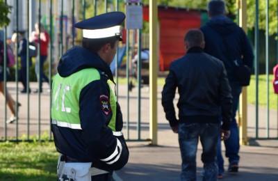 Полицейские района Москворечье-Сабурово задержали подозреваемого в краже автомобиля