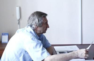 Михаил Вирин поздравил жителей района с Днем пожилого человека