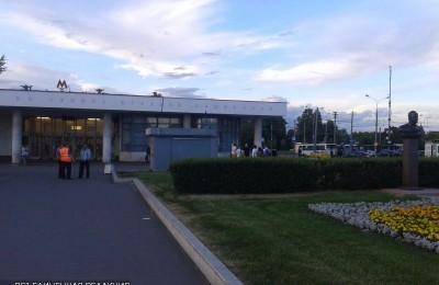 Возле станции метро «Каширская» из-за нерентабельности уберут театральную кассу