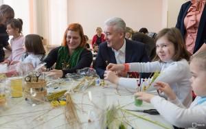 Собянин: В Москве за 6 лет число детей-сирот снижено вдвое
