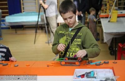 Соревнования по робототехнике прошли в гимназии №1579