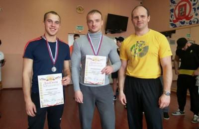 Участники окружного турнира по силовому двоеборью