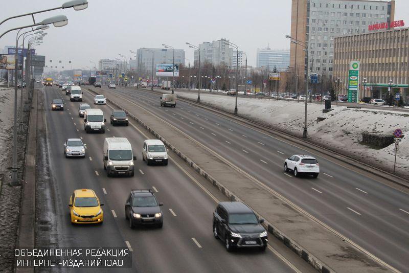Госавтоинспекция предупредила водителей огололеде на трассах столицы