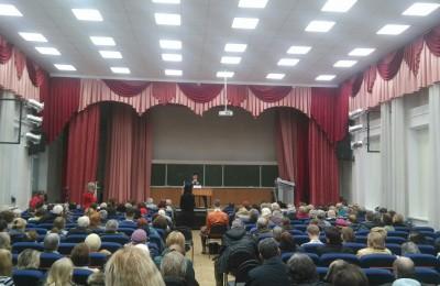 Члены молодежной палаты района Москворечье-Сабурово посетили встречу главы управы