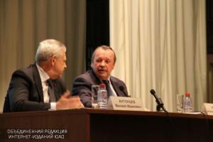 Префект ЮАО Алексей Челышев встретился с жителями округа