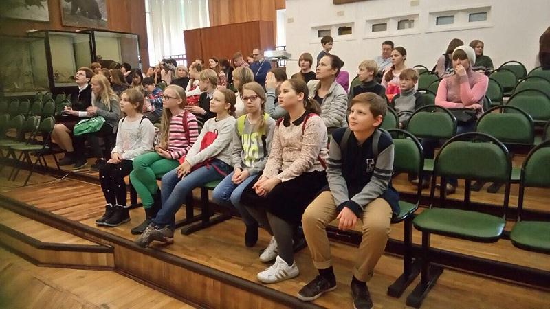 Школьники на экскурсии
